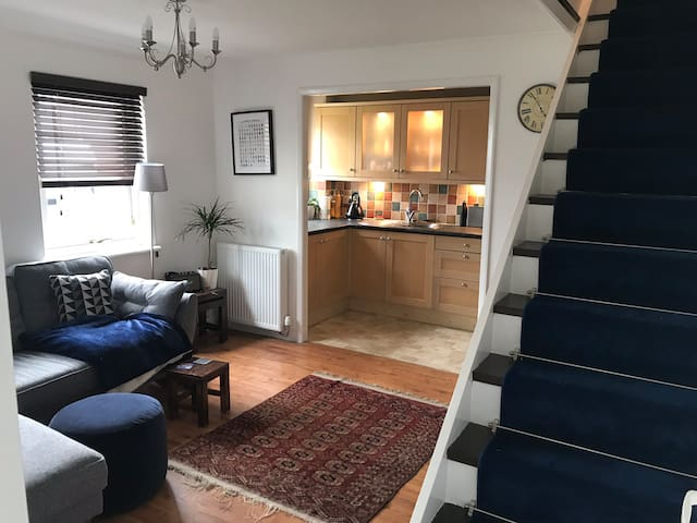 Coastal Town House with Short Trip to Edinburgh