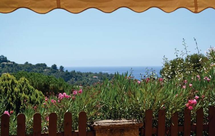 """Maison """" vue mer """" très calme golfe de st tropez"""