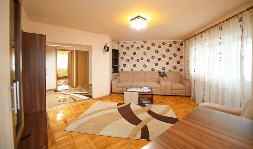 Apartament 2 Bedrooms and 1 Livingroom