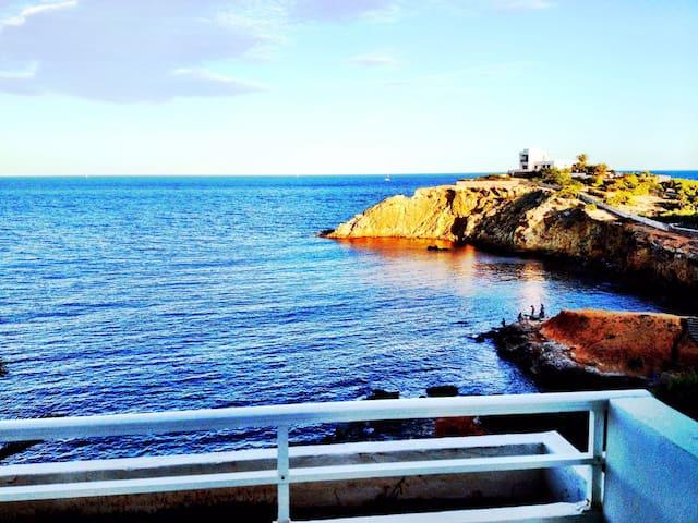 Hermoso Ático frente al mar con terraza y solárium - Santa Eulària des Riu