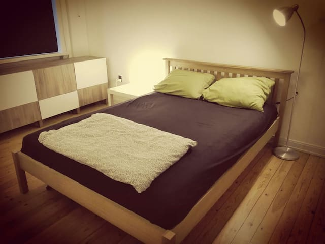 Cosy Private Bedroom near centre - Herning - Byt