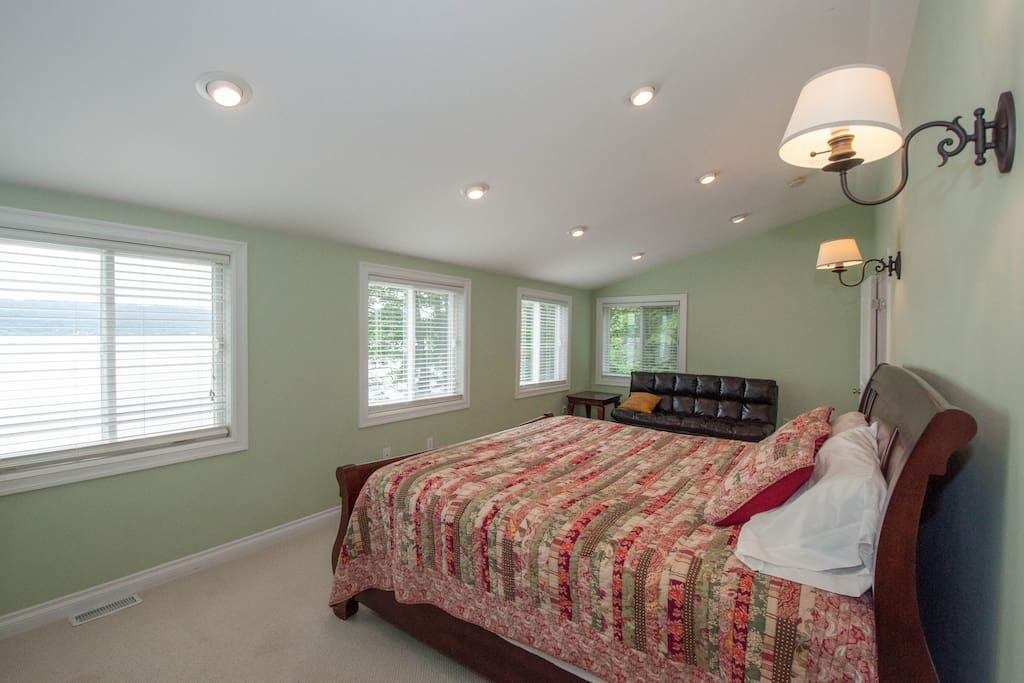 Master bedroom, king bed, attached bath, optional futon.