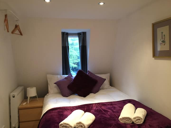 Private Double Bedroom in London Euston (10)