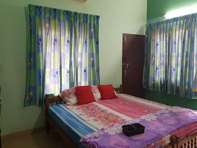 Homely and comfortable stay for a small family