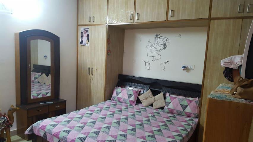 Furnished 2 room set on rent - New Delhi - Apartment