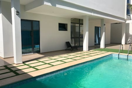 Vila Titi - Lovely T1 with room pool view