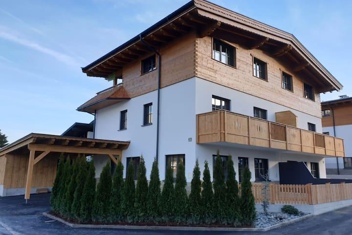 Luxury Villa in Ellmau with Jacuzzi