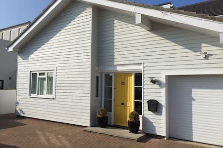 Beautiful Witterings Beachfront - king size double - East Wittering - Casa