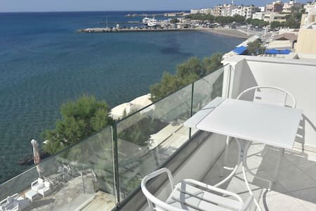 Spacious luxurious flat - magnificent sea view