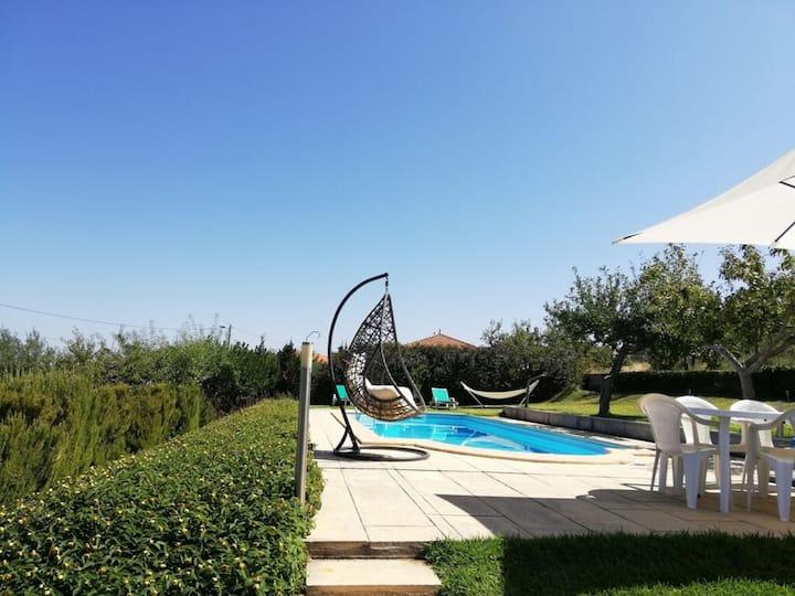 Magnífica Vila com piscina, T. de Moncorvo by iZiB