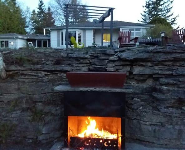 Sturgeon Lake/Muskoka in the  Kawartha's Cottage