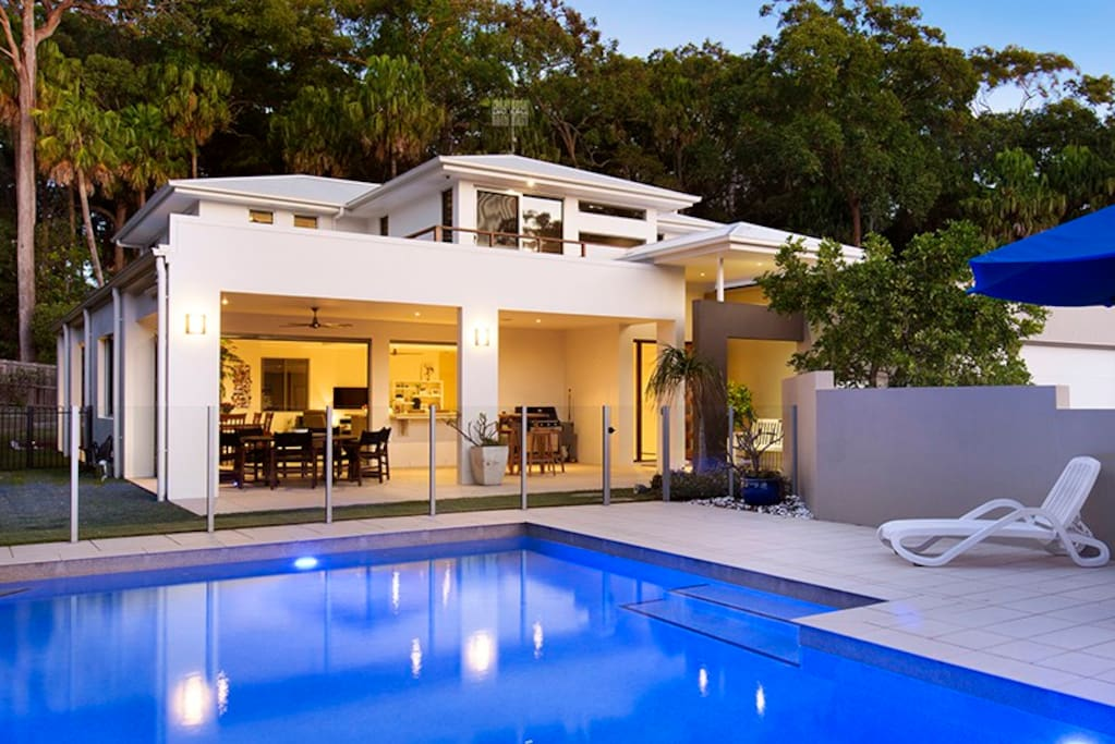 Pool and outdoor entertainment