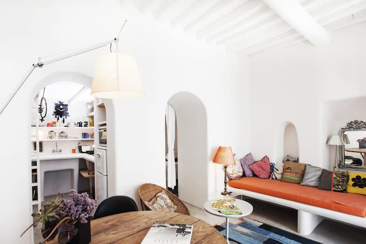 Eclectic & Artistic house in Mykonos town