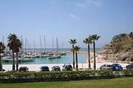 Batea Piscina y Playa Apartment - 卡斯特拉德佛斯