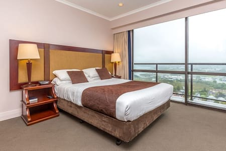 Studio Apartment with Spectacular City Views - Auckland