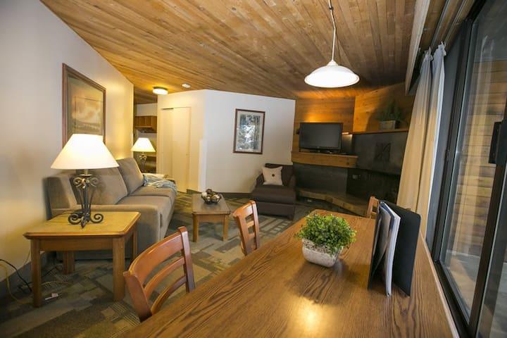 Snowbird Ski and Summer Resort Studio (2 bed) - Sandy - Condominium