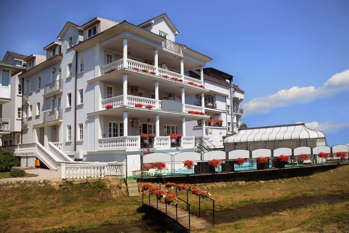 Deluxe apartment - Vrnjačka Banja - Appartement