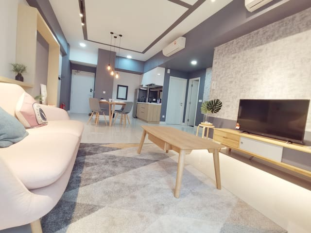 New and Comfy 2 bedroom Radia Residence