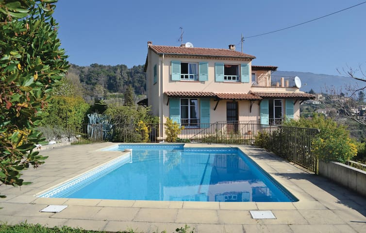 Holiday cottage with 3 bedrooms on 110 m² in Cabris