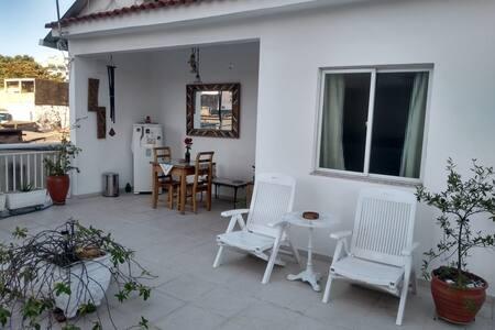 Quarto Duplo (c/Ar) próx Maracanã/Centro