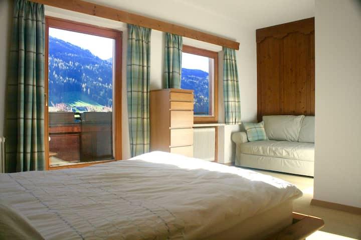 Spacious apartment with Alpine Views