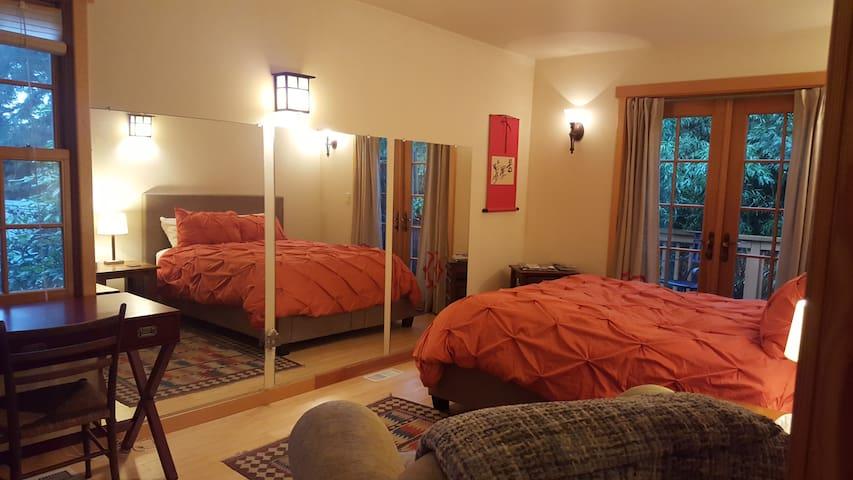 Modern Peace Retreat Room 1