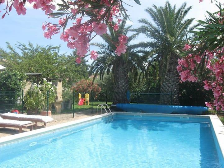 Appart. avec piscine entre Avignon et Saint Rémy