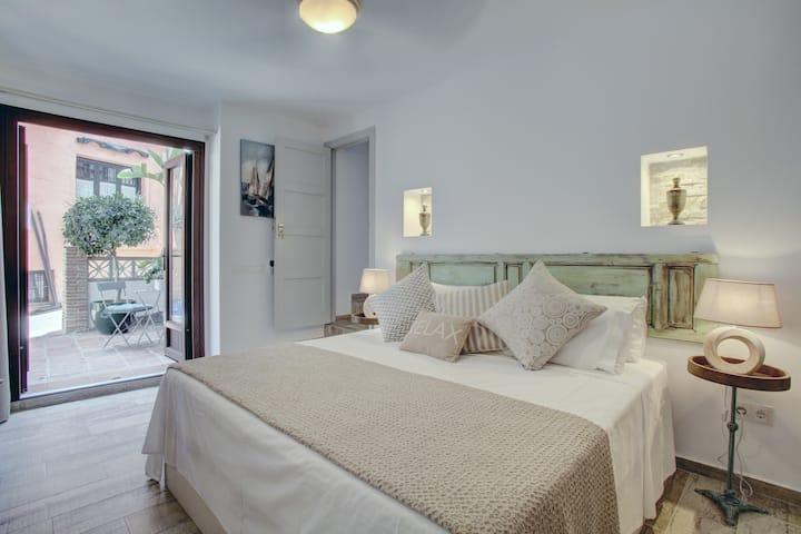 'Casa Ella' Tarifa room ,Luxury Boutique B&B