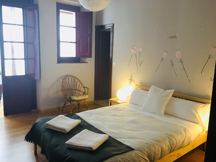 Habitación doble cama matrimonial- Hotel Covadonga