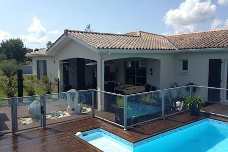 Villa 180m2 avec piscine sur le Bassin d'Arcachon - Audenge