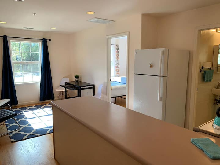Well equipped guest suite with private entrance