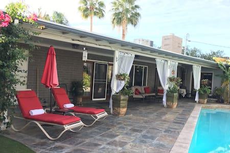 Paradise Valley Beauty - Fantastic Pool & Backyard - Phoenix - Casa