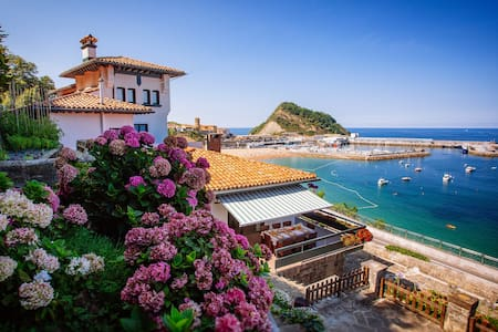 MAGNIFICENT VILLA BEACHFRONT WIFI - Getaria - 別荘