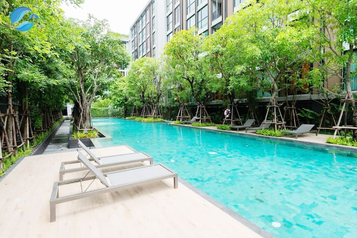 新房!曼谷素坤逸Sukhumvit富人区Thonglor精装一房 WiFi&泳池【A54】