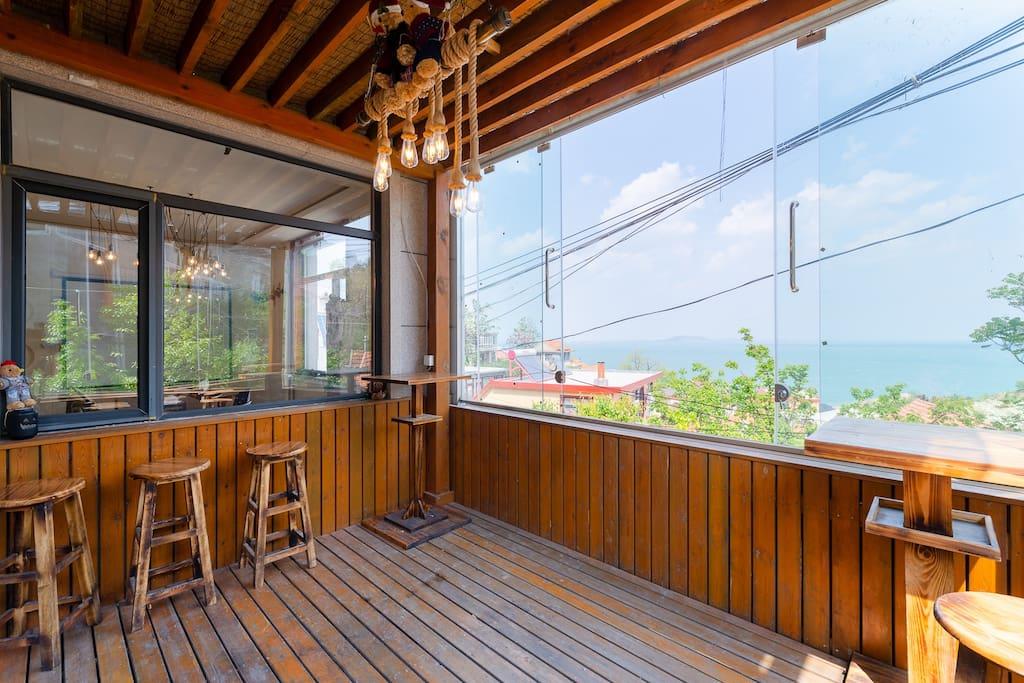 日式木亭海景酒吧