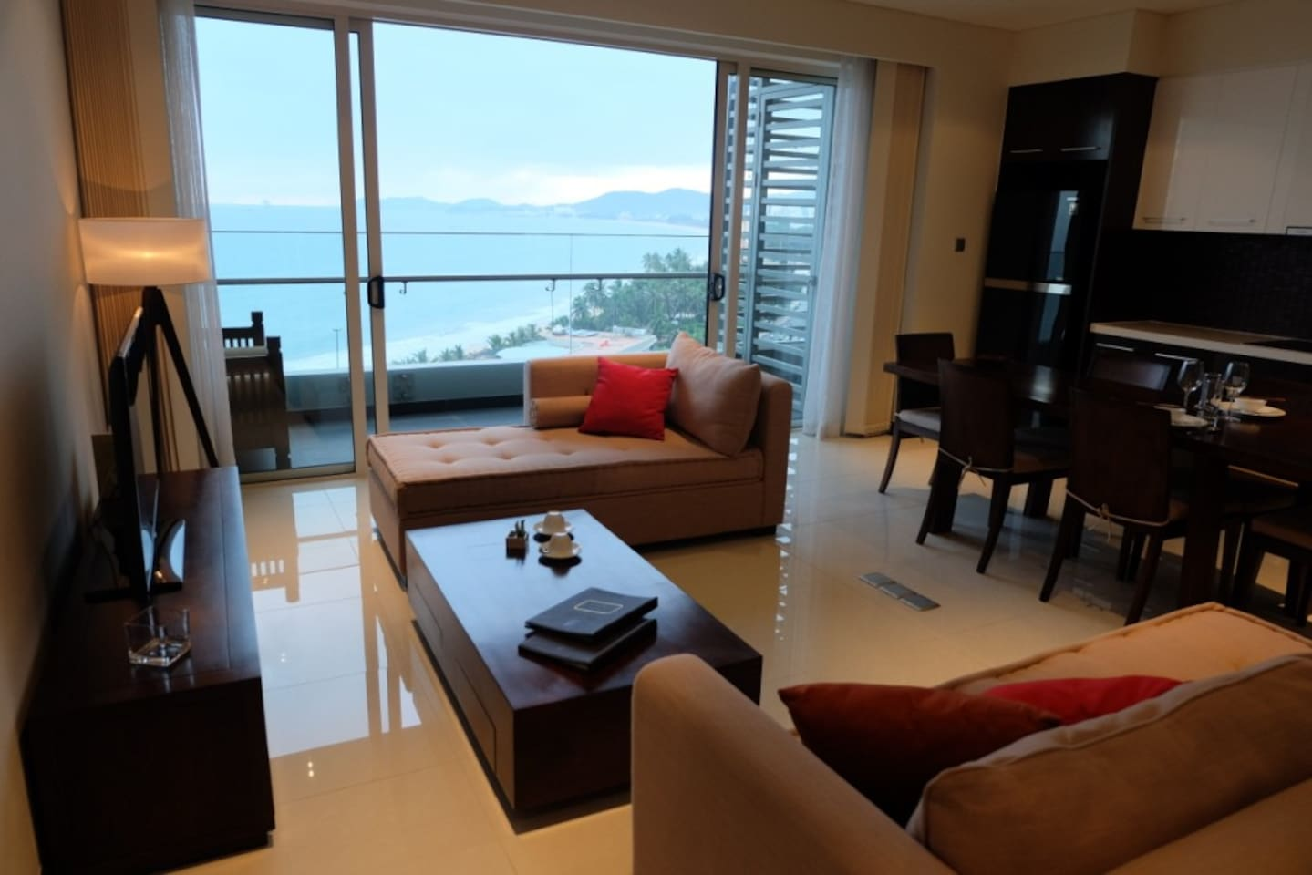 living area, balcony and seaview