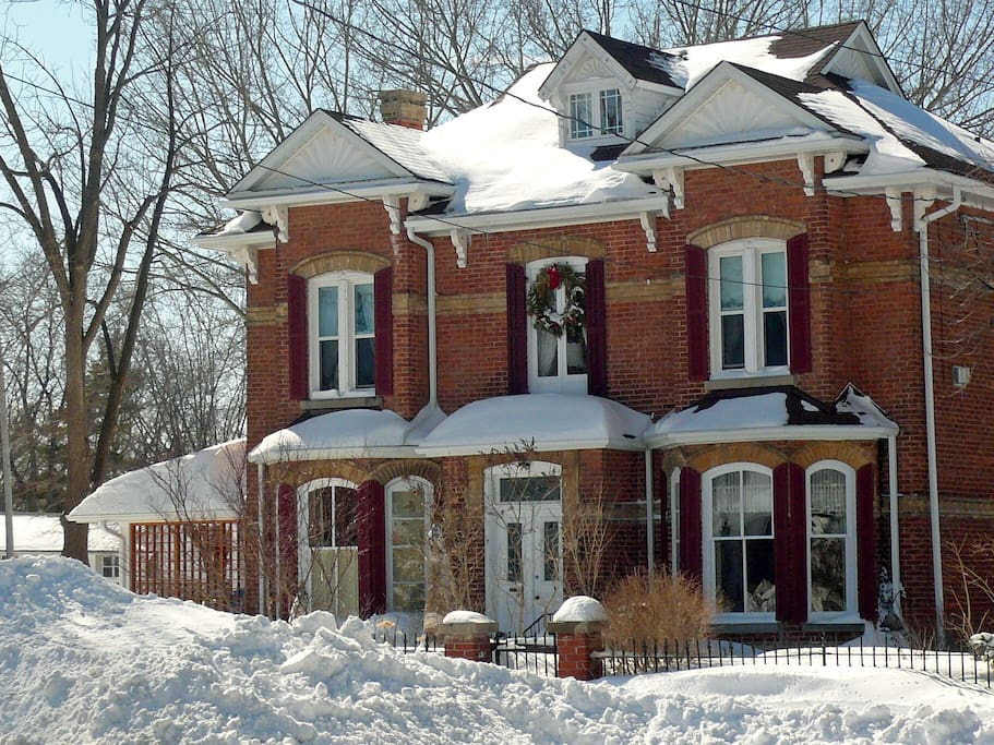 Joseph Lawrence House front view Winter