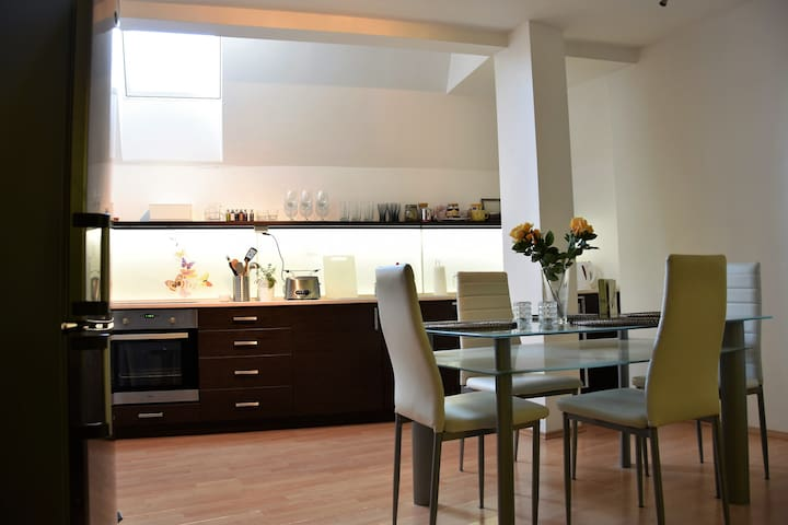 Cosy Duplex Apartment in the City Centre - Brno - Pis