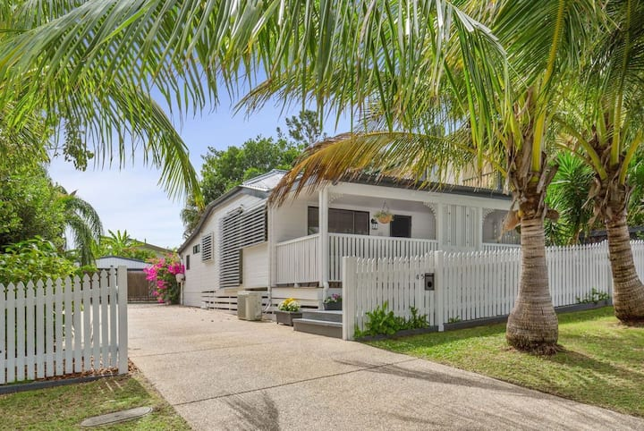 PANDANUS COTTAGE