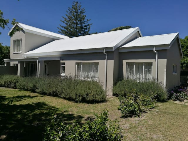 Onniriebos Self-catering Family Home