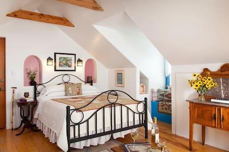 Vista Room at Casa Escondida Bed & Breakfast