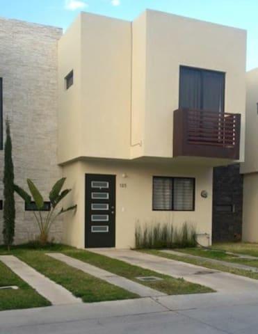 Habitacion Disponible con acceso a Piscina - Zapopan