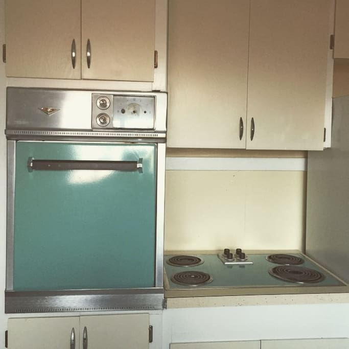 Original stove-top and oven set. Basic food amenities available. French-press Coffee & Tea provided.