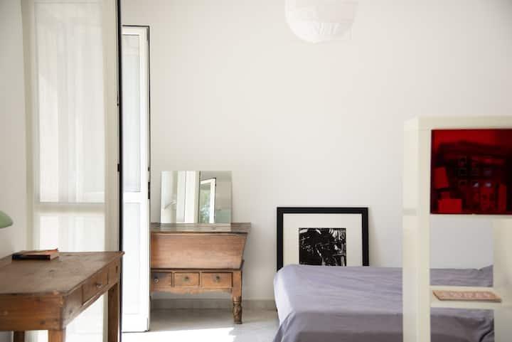 Silenzioso appartamento con giardino privato