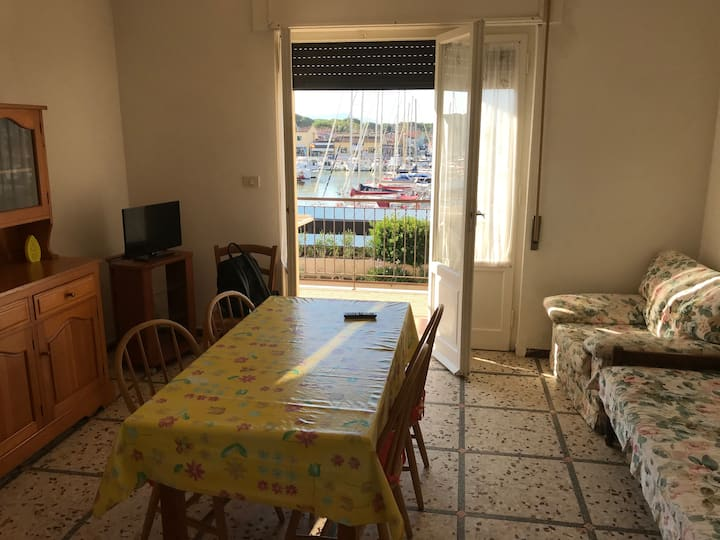 Casa fronte Porto turistico