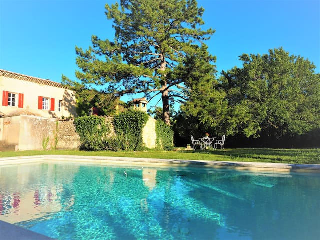 Secret Treasure, Large Private Pool & Garden, BBQ