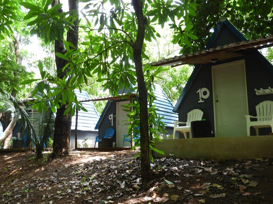 El Tipi Hostel en Panama es un lugar muy comodo y acogedor, rodeado de Naturaleza y muy cerca del mar, en una de las mejores playas para Surf del pacifico, Playa Venao.