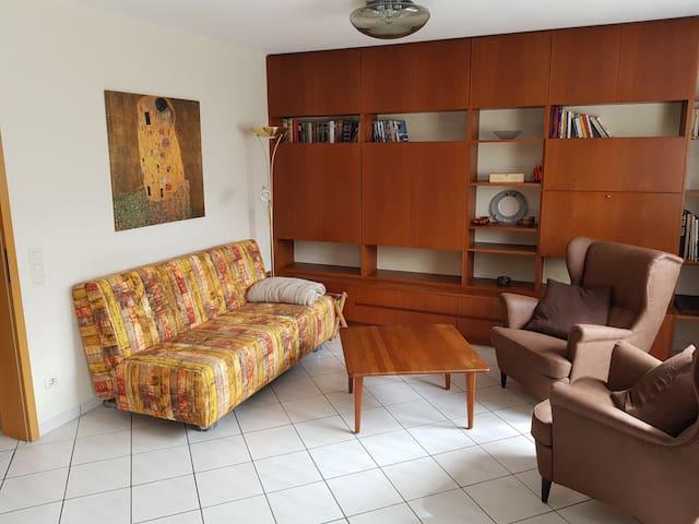 Ruhige, zentral gelegene Wohnung mit Terrasse