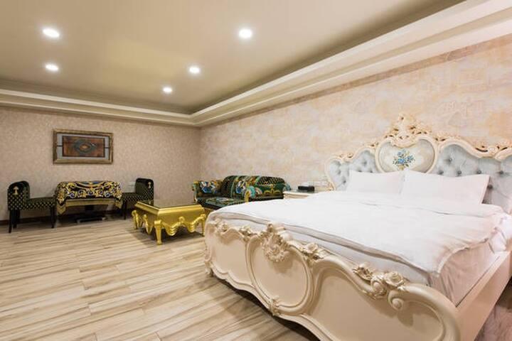 馬德里花園 - Room101 - Yilan City - Villa