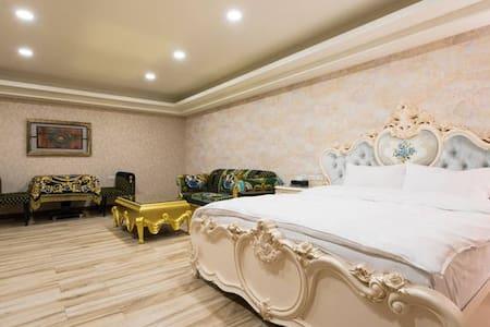 馬德里花園 - Room101 / 雙人房 - Yilan City